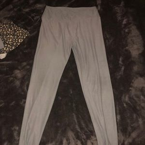 grey leggings from LuLaRoe